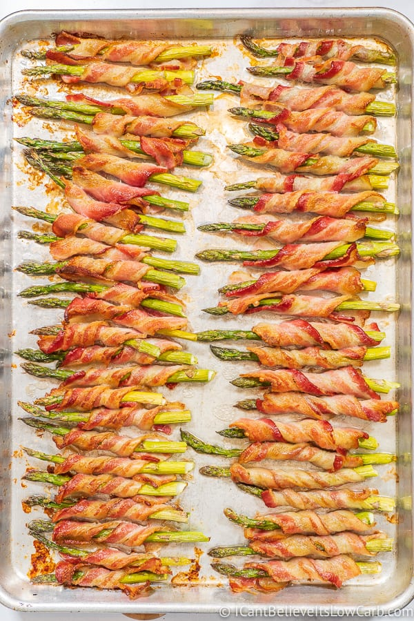 easy to make Bacon Wrapped Asparagus