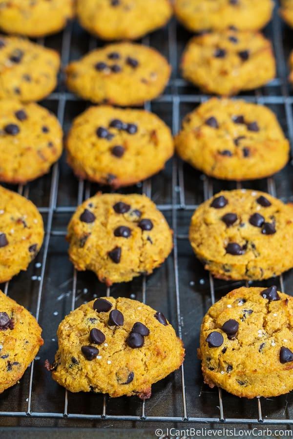 easy Keto Pumpkin Chocolate Chip Cookies