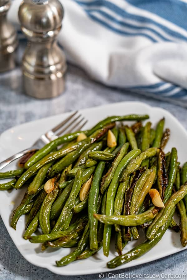plate of low carb Roasted Green Beans