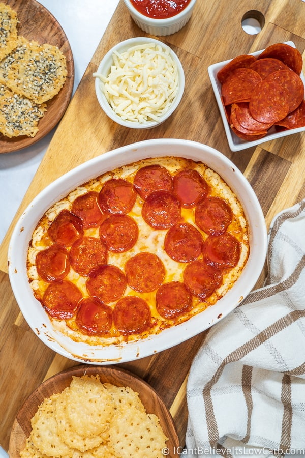 Keto Pepperoni Pizza Dip