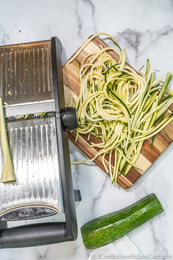 How to make Zoodles with mandolin slicer