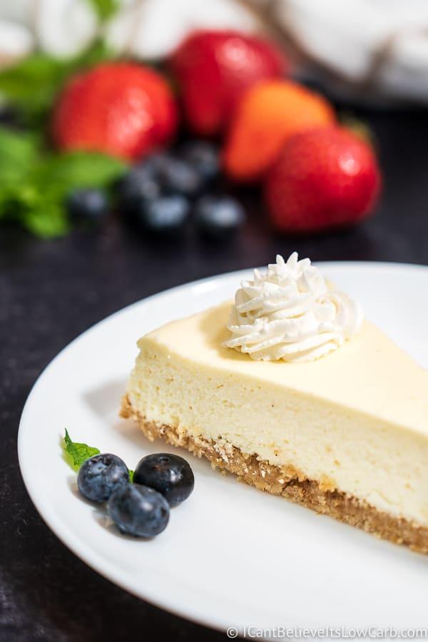 Keto Cheesecake with whipped cream