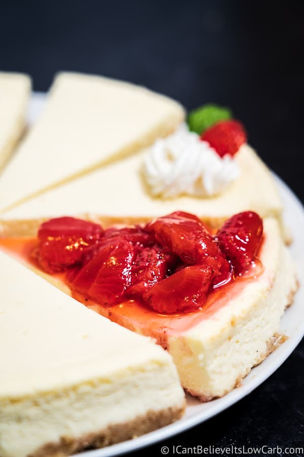 Sugar-Free Cheesecake with strawberry sauce