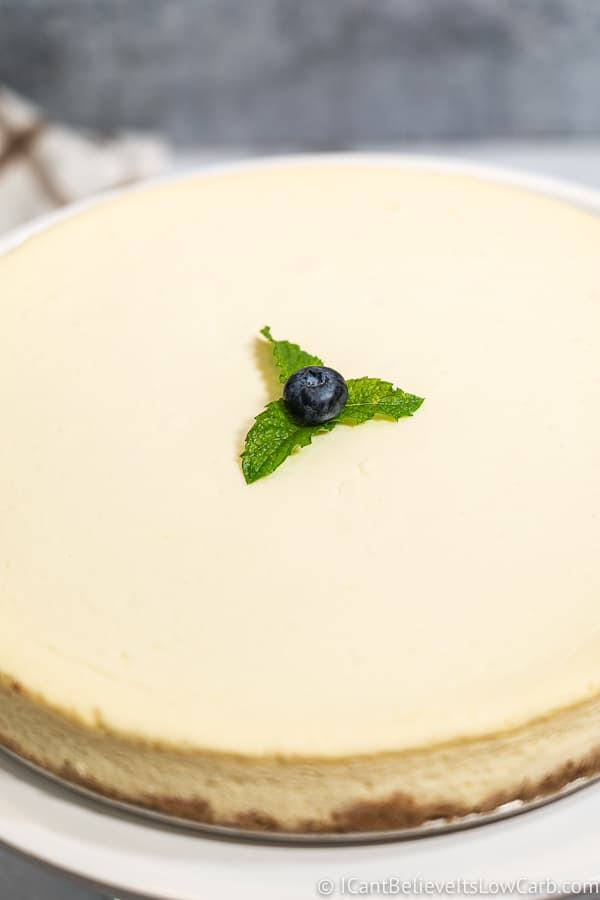 Low Carb Cheesecake without cracks