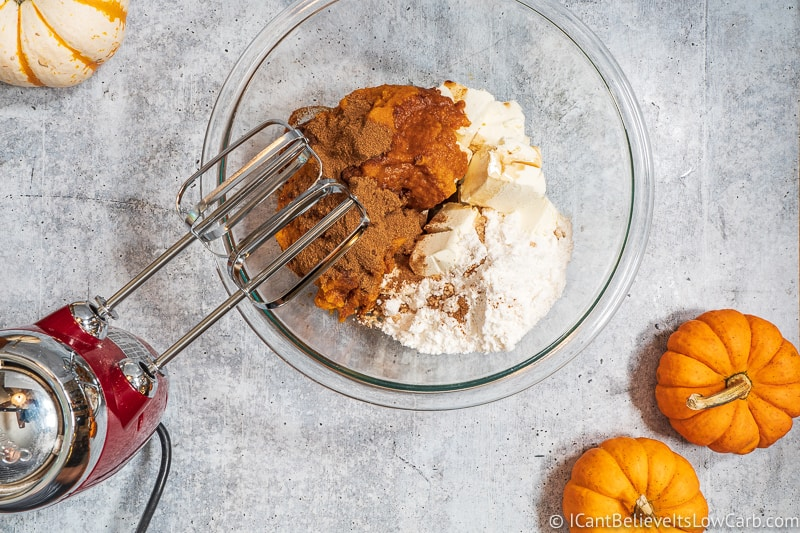 Making Low Carb Pumpkin Mousse with hand mixer