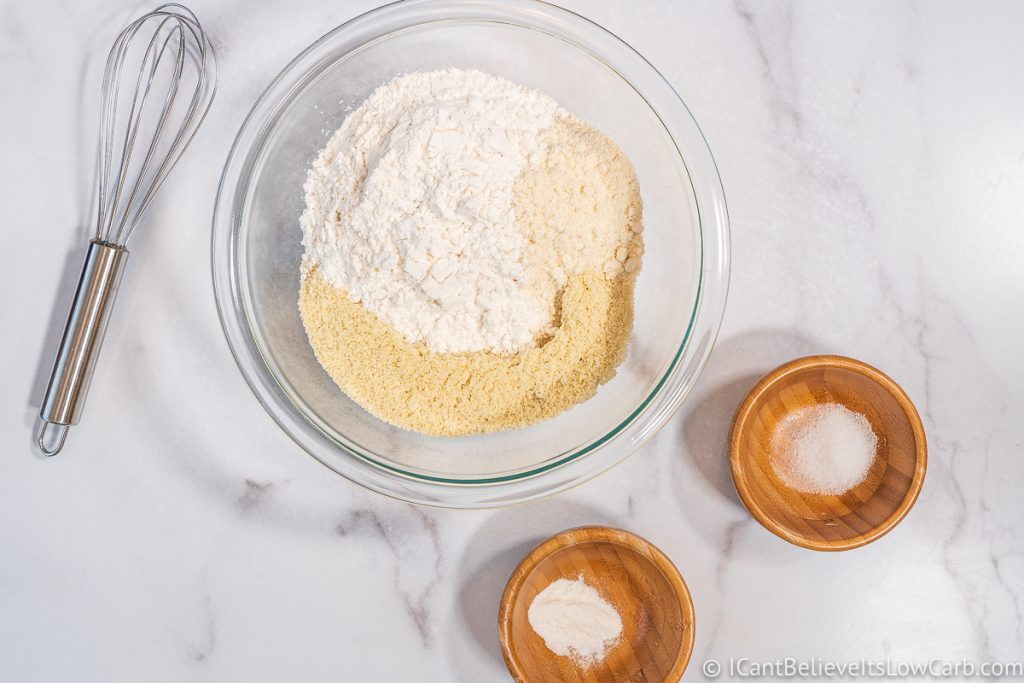 Adding sweetener to flour