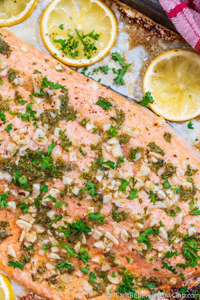 Oven-Baked Salmon with garlic and lemon
