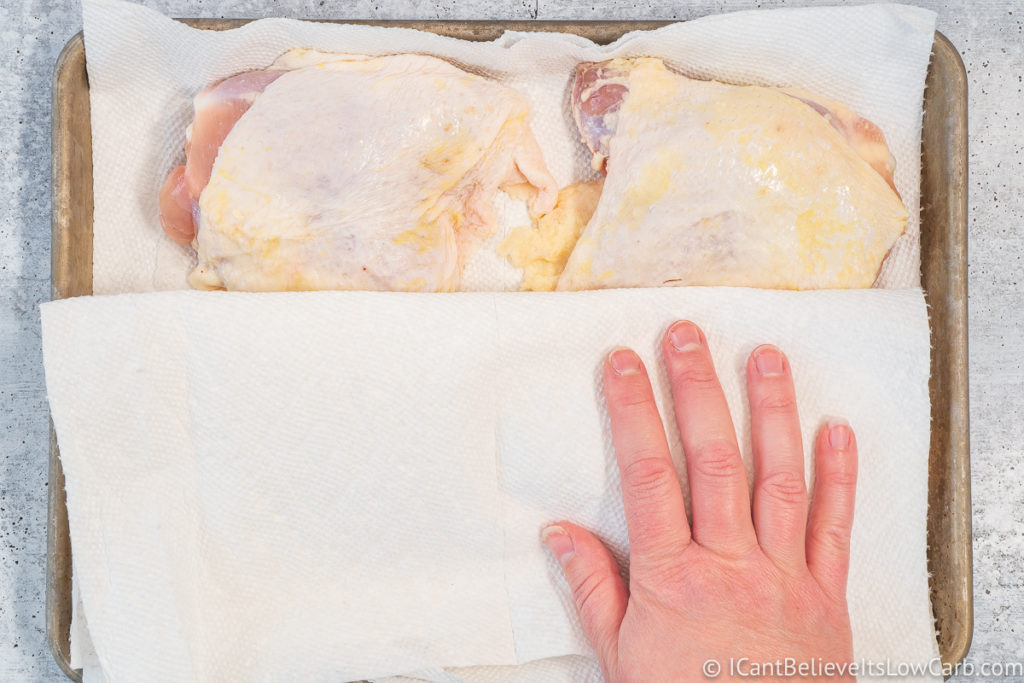 drying off Chicken Thighs with paper towels