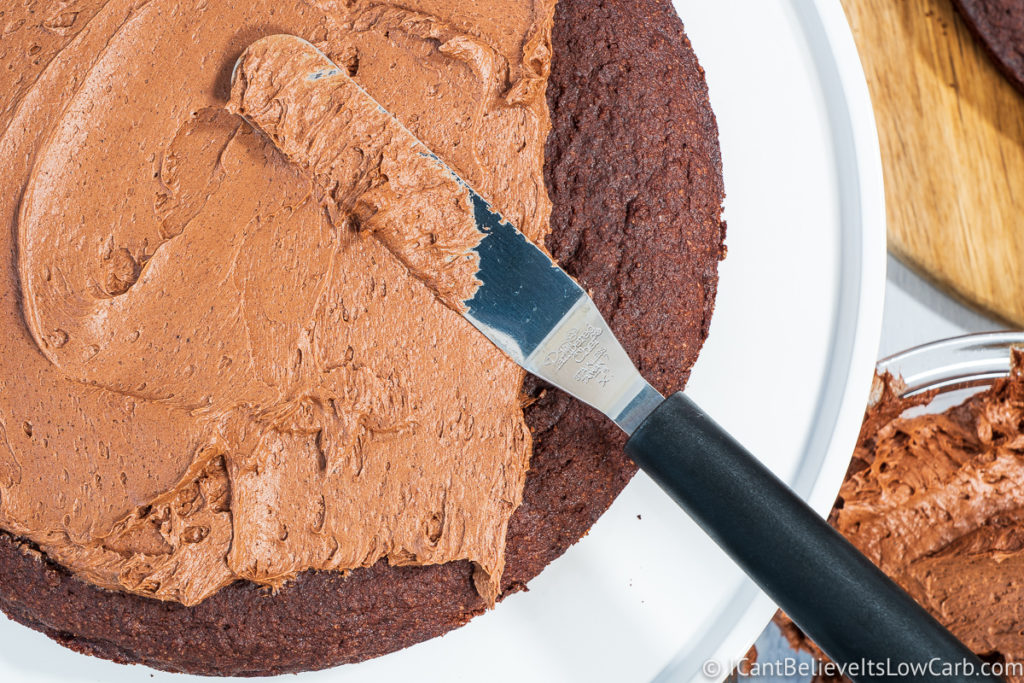 Frosting Sugar-Free Chocolate Cake