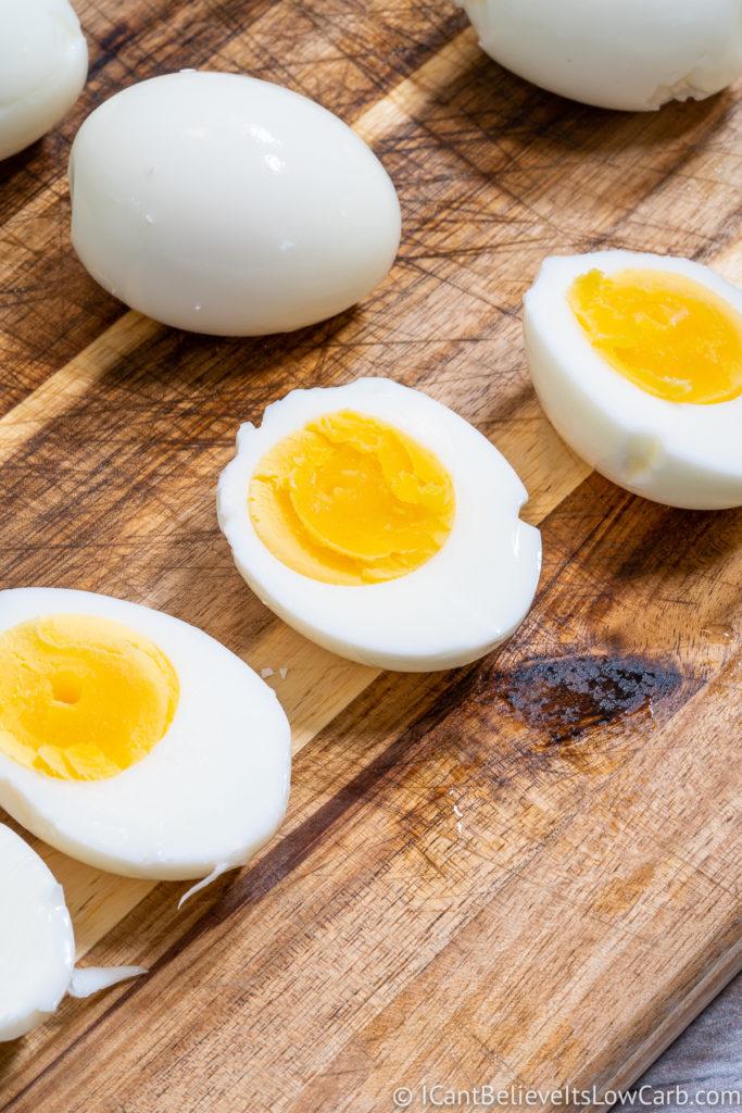 Cutting Hard Boiled Eggs in half